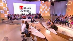 Elise Chassaing dans le Grand Journal De Canal Plus - 28/04/10 - 9