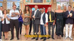 Laura Barriales dans Mezzogiorno In Famiglia - 10/10/10 - 1
