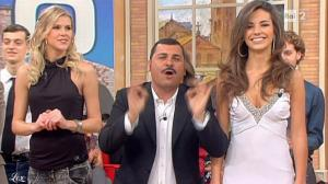 Laura Barriales dans Mezzogiorno In Famiglia - 21/11/10 - 2