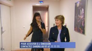 Mélanie Doutey dans le Grand Journal De Canal Plus - 07/01/10 - 1