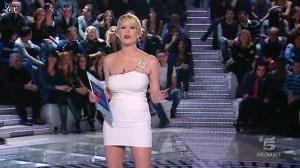 Alessia Marcuzzi dans Grande Fratello - 15/02/10 - 02