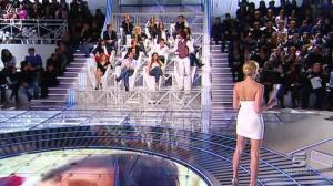 Alessia Marcuzzi dans Grande Fratello - 15/02/10 - 11
