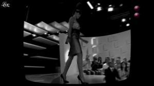 Charlotte Le Bon dans le Grand Journal de Canal Plus - 03/06/11 - 01