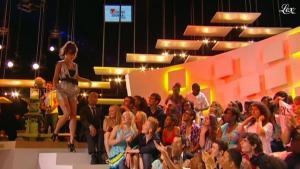 Charlotte Le Bon dans le Grand Journal de Canal Plus - 28/06/11 - 01