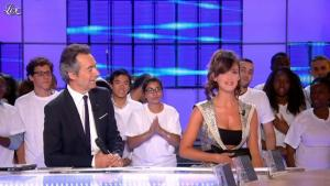 Charlotte Le Bon dans le Grand Journal de Canal Plus - 28/06/11 - 02
