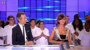 Charlotte Le Bon dans le Grand Journal de Canal Plus - 28/06/11 - 02