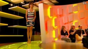 Charlotte Le Bon dans le Grand Journal de Canal Plus - 31/05/11 - 02
