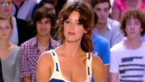 Charlotte Le Bon dans le Grand Journal de Canal Plus - 31/05/11 - 03