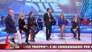 Cristina Tassinari dans Italia Sul Due - 12/10/11 - 04
