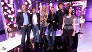 Elodie Gossuin dans Touche pas à mon Poste - 14/02/11 - 02