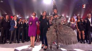 Helene-Segara--Les-Stars-s-amusent-a-Noel--24-12-11--02