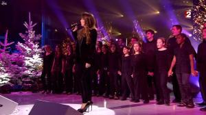 Hélène Segara dans les Stars s amusent à Noel - 24/12/11 - 06