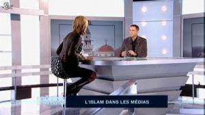 Laurence Ferrari dans Medias le Magazine - 11/12/09 - 01