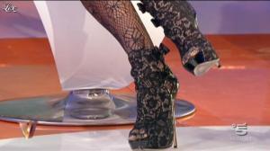 Nina Moric dans Verissimo - 08/10/11 - 03