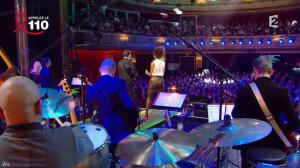 Audrey Pulvar dans Toute la Télé Chante Pour le Sidaction - 06/04/13 - 17