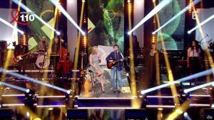 Laurence Ferrari dans Toute la télé Chante Pour le Sidaction - 06/04/13 - 11