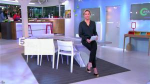 Anne-Sophie Lapix dans C à Vous - 13/02/14 - 01