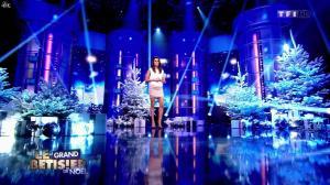 Karine Ferri dans le Grand Bêtisier de Noël - 24/12/13 - 01
