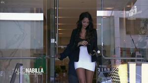 Nabilla Benattia dans Allo Nabilla - 12/11/13 - 07