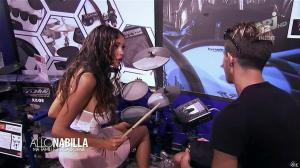 Nabilla Benattia dans Allo Nabilla - 12/11/13 - 10