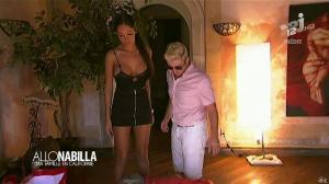 Nabilla Benattia dans Allo Nabilla - 26/11/13 - 02