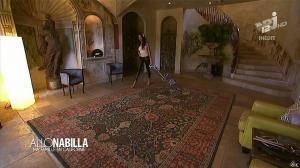 Nabilla Benattia dans Allo Nabilla - 26/11/13 - 08