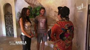Nabilla Benattia dans Allo Nabilla - 26/11/13 - 16