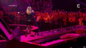 Véronic Dicaire dans le Grand Show - 24/11/12 - 064