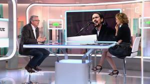 Caroline Roux dans C Politique - 01/02/15 - 15