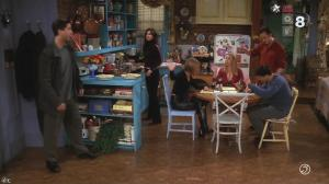 Jenifer Aniston dans Friends - 17/12/14 - 01