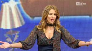 Adriana Volpe dans I Fatti Vostri - 04/03/16 - 04