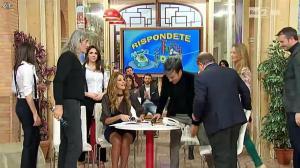 Adriana Volpe dans I Fatti Vostri - 04/03/16 - 07