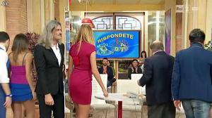 Adriana Volpe dans I Fatti Vostri - 08/02/16 - 06