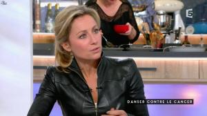 Anne-Sophie Lapix dans C à Vous - 05/02/16 - 04