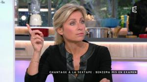 Anne-Sophie Lapix dans C à Vous - 05/11/15 - 05