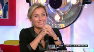 Anne-Sophie Lapix dans C à Vous - 05/11/15 - 09