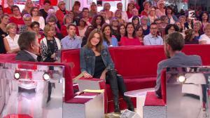 Carla Bruni dans Vivement Dimanche - 04/10/15 - 04