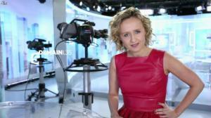 Caroline Roux dans Bande Annonce de C Politique - 09/01/16 - 01