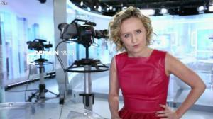 Caroline Roux dans Bande Annonce de C Politique - 09/01/16 - 02