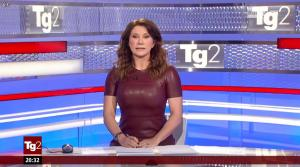 Manuela Moreno dans Il Tg 2 - 31/01/16 - 01