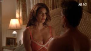 Teri Hatcher dans Desperate Housewives - 04/11/15 - 05