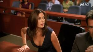 Teri Hatcher dans Desperate Housewives - 04/11/15 - 10