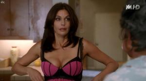 Teri Hatcher dans Desperate Housewives - 18/11/15 - 21