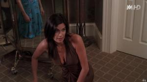 Teri Hatcher dans Desperate Housewives - 30/09/15 - 01