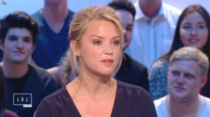 Virginie Efira dans le Grand Journal de Canal Plus - 10/04/15 - 02
