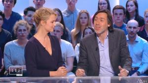Virginie Efira dans le Grand Journal de Canal Plus - 10/04/15 - 05