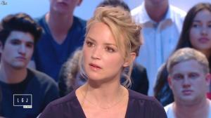 Virginie Efira dans le Grand Journal de Canal Plus - 10/04/15 - 07
