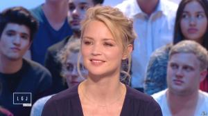 Virginie Efira dans le Grand Journal de Canal Plus - 10/04/15 - 14