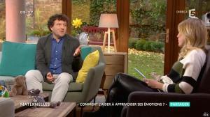 Agathe Lecaron dans les Maternelles - 22/11/16 - 01