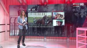 Amélie Bitoun dans un Jour aux Courses - 07/02/17 - 02